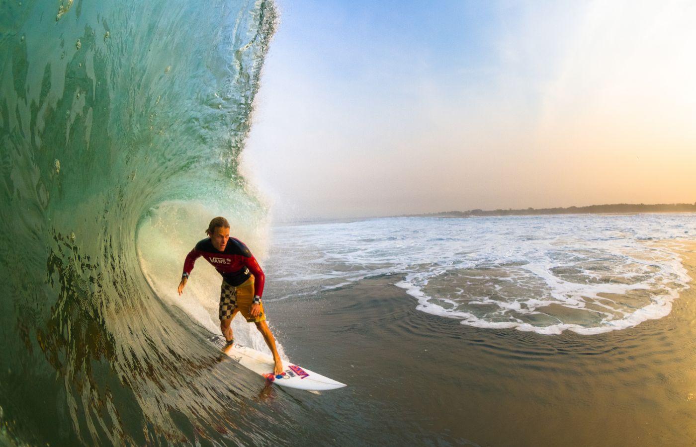 GP_-_Surfing